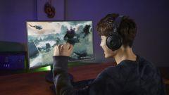 Какой монитор выбрать для игр – классический или с изогнутым экраном?