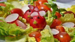 Какие салаты полезно готовить в зимнее время