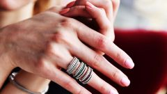 Почему слоятся ногти: внешние и внутренние причины