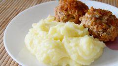 «Ежики» в томатно-сметанном соусе: пошаговый рецепт с фото