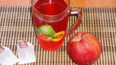 Напиток с яблоком и пакетиками каркаде
