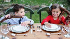 Поведение ребенка за столом: советы родителям