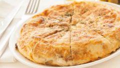 Как приготовить быстрый пирог с сыром на сковороде