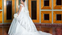 Как выбрать свадебное платье для полной фигуры