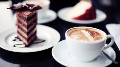 Как подобрать идеальный десерт к кофе?
