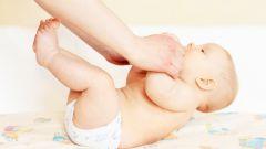 Лечебная физкультура для детей до 1 года: как помочь малышу сделать зарядку?