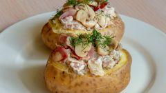 Как приготовить картофель, фаршированный грибами и беконом
