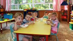 Почему дети, которые ходят в детский сад, часто болеют и как это предотвратить?