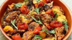 Мясо курицы с овощами в рукаве
