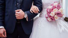 Женщина должна быть замужем?