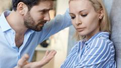Газлайтинг: зачем мужчины внушают женщинам, что они не в себе