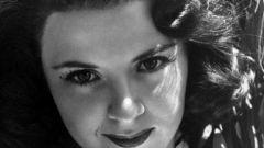 Мала Пауэрс: биография, карьера и личная жизнь