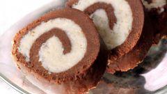 Быстрый шоколадно-кокосовый рулет без выпечки