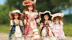 Как девочки играют в куклы