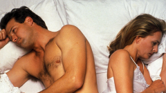 Почему женщины чаще мужчин избегают секса