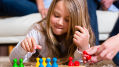 Топ-10 настольных игр для детей младшего школьного возраста