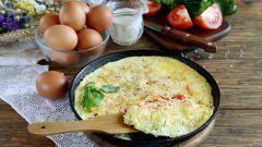 Как правильно приготовить омлет на сковороде