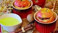 Сладкий десерт: как приготовить печеные яблоки с гречкой под базиликовым соусом