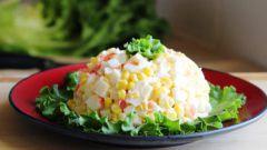 Как приготовить вкусный салат-закуску с крабовыми палочками