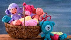 Чем лучше набивать вязаные игрушки: синтепухом или холлофайбером?