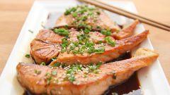 Как приготовить красную рыбу под кисло-сладким соусом