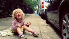 Как вести себя с капризным ребенком