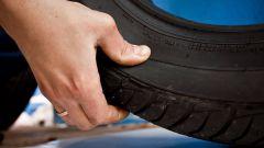 Допустима ли эксплуатация автомобильных шин с глубокими трещинами?