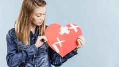 Как пережить безответную любовь и справиться с отказом