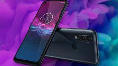 Все преимущества и недостатки Motorola One Action