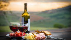 Как правильно подавать вино к столу
