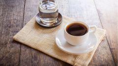 На какой воде заваривать кофе, а какой водой - запивать его?