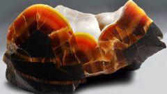 Симбирцит: внешний вид,  лечебные и магические свойства камня, совместимость со знаками Зодиака