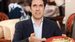 Почему официанты доедают за гостями?