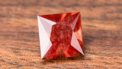 Солнечный камень: особенности, виды и магические свойства гелиолита