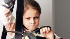 Стоит ли наказывать ребенка ремнем