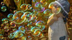 Как самостоятельно сделать мыльные пузыри дома