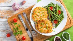 Как приготовить рубленые котлеты из куриной грудки: четыре вкуснейших рецепта