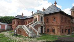 Почему популярно Крутицкое подворье в Москве