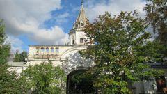 Кому принадлежала Усадьба Измайлово в Москве и что в ней  интересного