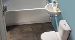 Как оформить узкую ванную комнату