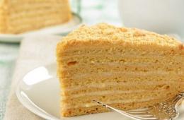 Торт «Медовая страсть» - очень вкусный и сытный десерт, знакомый многим с детства