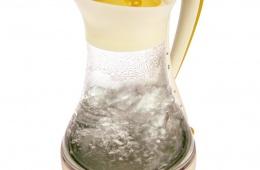 Модель чайника с вместимостью в 1,6 литра и мощностью на 2000 Вт