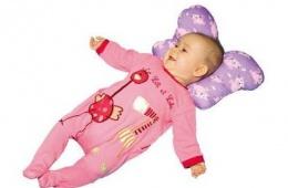 Простая вещь для профилактики кривошеи у младенцев