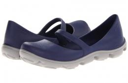 Туфли Crocs незаменимы на даче