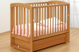Кроватка Gandilyan – устойчивая и отлична для полноценного и глубокого сна ребенка