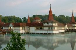Лечение, отдых, отели на курорте Хевез, Венгрия