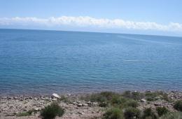 Озеро Иссык-Куль одно из самых крупных горных озер мира