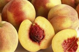 Персик – ароматный и вкусный фрукт, подаренный людям самой природой
