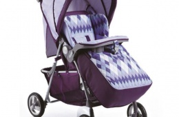 Недорогая прогулочная коляска для ребенка
