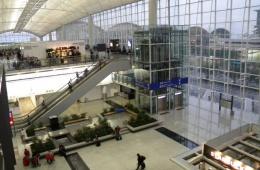 В аэропорту Гонконга новичкам не легко